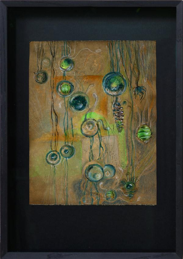 Sporenbehaelter - 24,8 x 19,8 cm, 2017 / Graphitstift, Aquarellstift, Schellack auf präpariertem Papier, Modellrahmen aus Holz mit Museumsglas, 41 x 28 cm, 2020